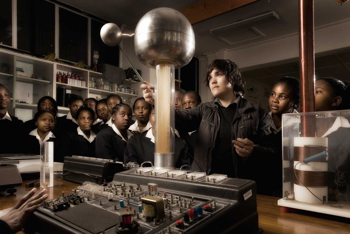Science class for young students - CSI photographic portfolio
